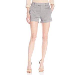 ❗️Vince Bergdorf Goodman's Linen Shorts NWT $168